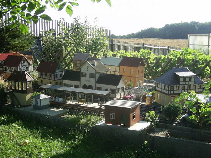Das Dorf wächst im August 2012