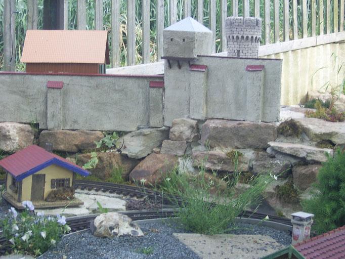 Der Burgbau im Mai 2012