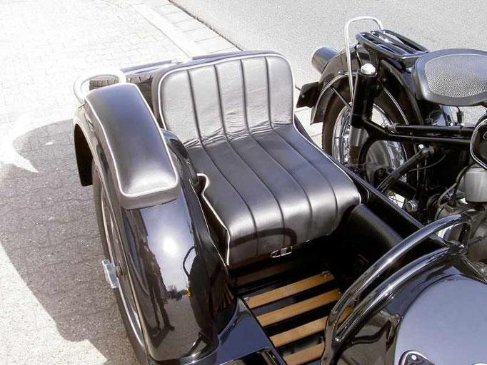 klassische motorrad sattlerei theobald leatherworks. Black Bedroom Furniture Sets. Home Design Ideas