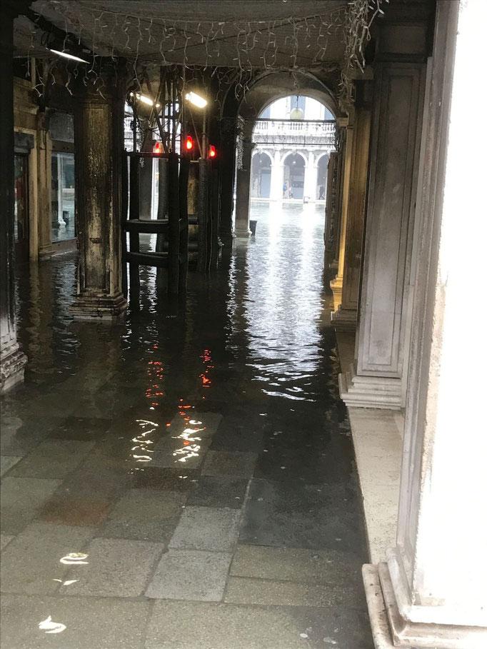 3. Febr 2019 Venedig unter Wasser