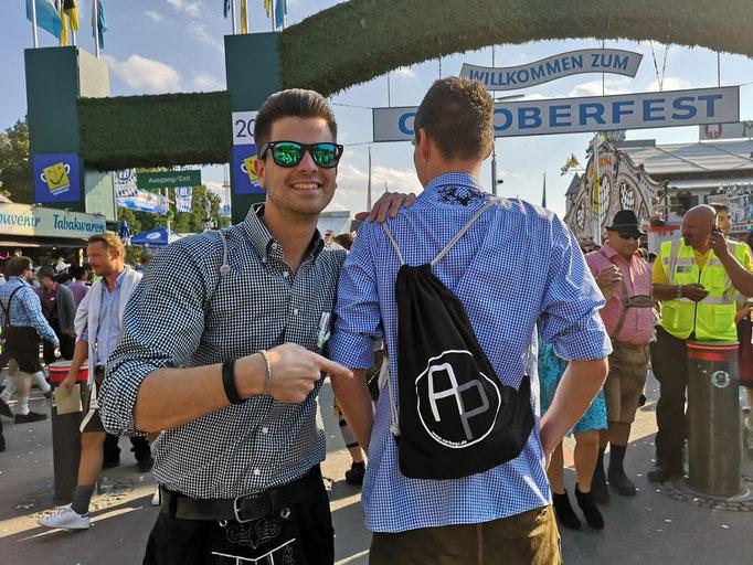 AP-Bags Alex O. Oktoberfest München Outfit Turnbeutel Party