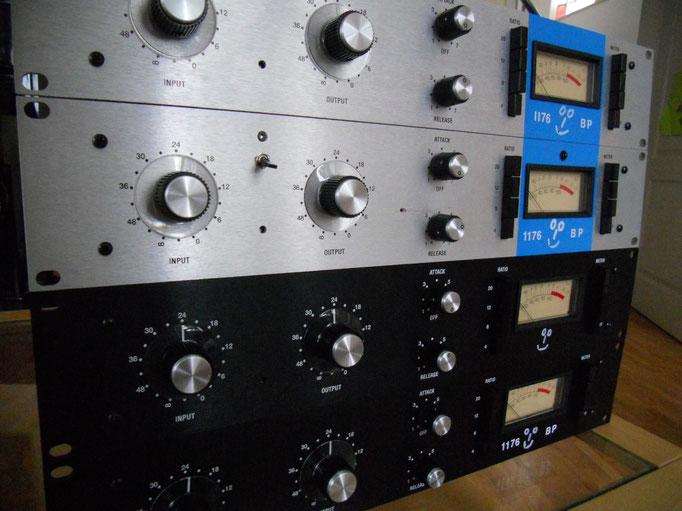 """im Vergleich zu meinem """"neuen"""" Universal Audio 2-1176 klingen die Klone, die ich gebaut habe noch ein bisschen fetziger :-) (vor allem die """"bluestripes"""", finde ich...) www.hairballaudio.com"""