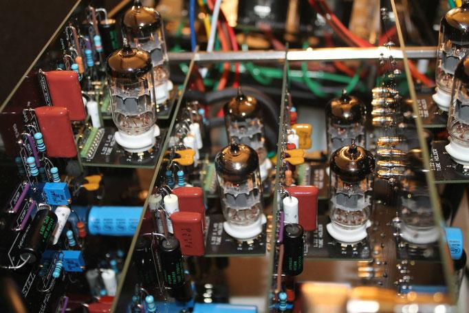 (dripelectronics.com) Klein & Hummel UE 100 Klon Detailansicht von innen.