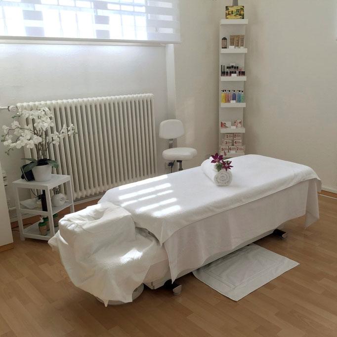 Praxis, Feel the Flow, Körpertherapie, Massage, Yoga, Pilates, Personal Training, Coaching, Ernährung, Bern