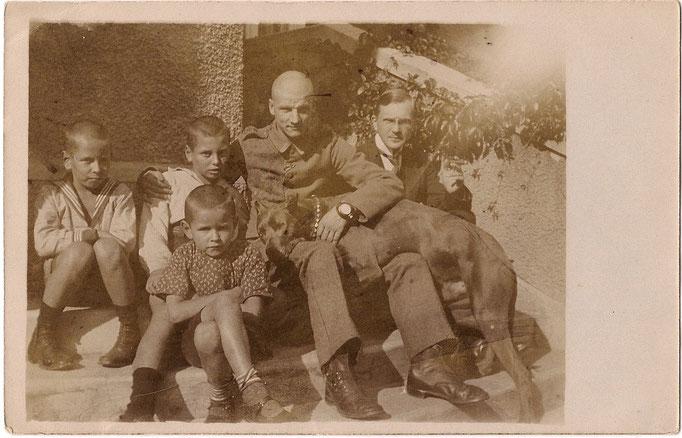 Fritz Litten mit Söhnen