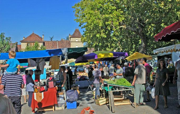 Zondagochtend markt in Cazals.