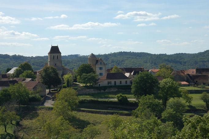 Het dorpje Les Arques, bekend om zijn Zadkine-museum en restaurant.
