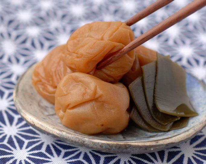 胡蝶(こちょう)北海道日高産の真昆布と極上のハチミツを使用した日本人にとても親しみのある昆布風味。塩分 10%
