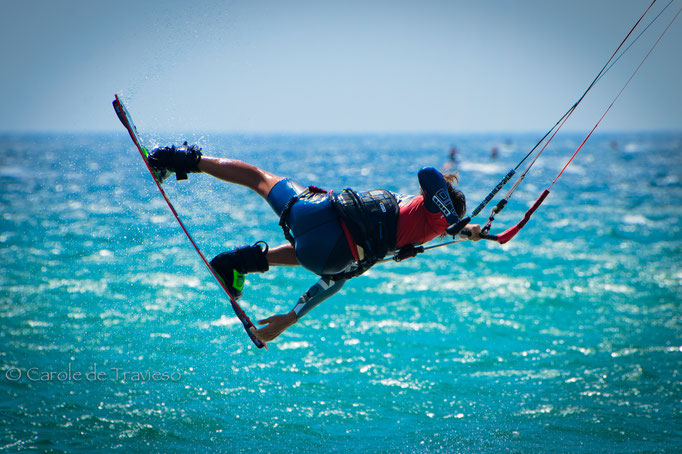 Learn how to jump kitesurfing