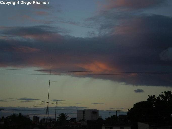 Stratocumulus vesperalis vistas em João Pessoa, Paraíba, em 03/03/2011.