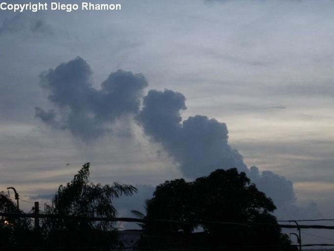 Cumulus mediocris virga vista em João Pessoa, Paraíba, em 08/03/2011.