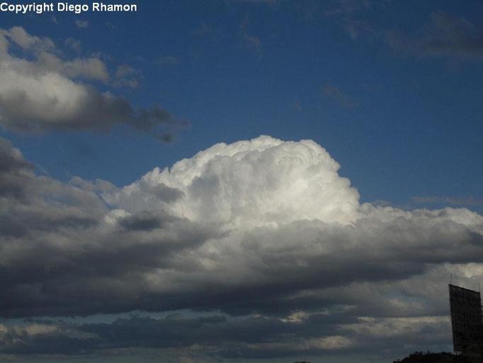 Cumulus mediocris vista em Campina Grande, Paraíba, em 24/04/2014.