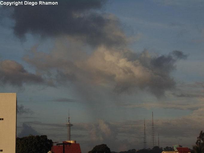Cumulus congestus virga vista em João Pessoa, Paraíba, em 17/03/2014.