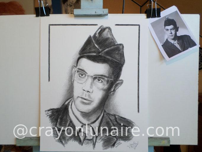 Portrait militaire à la pierre noire