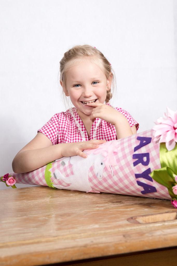 Einschulung, erster Schultag, Schultüte, ABC Schütze, Kinderportrait, Fotograf, Kinderfoto, Schulkind