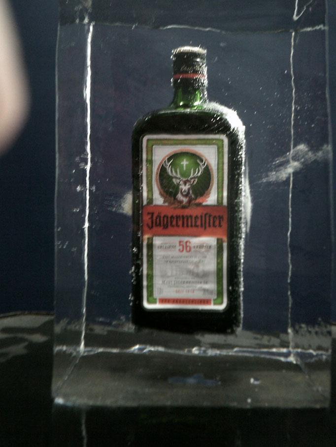 Einfrierung : Jägermeisterflasche