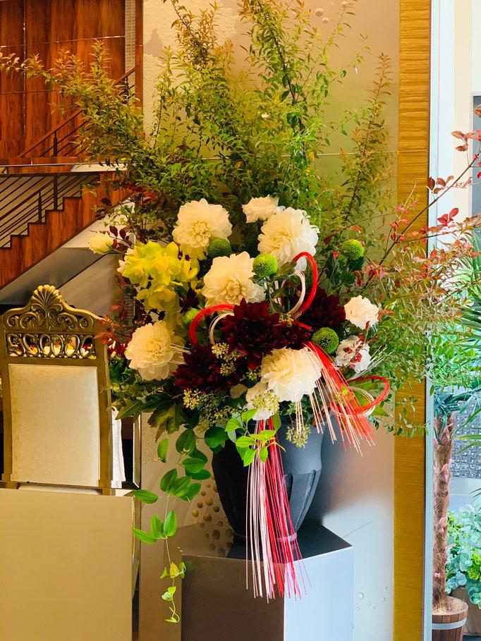 和風の大きな花飾り