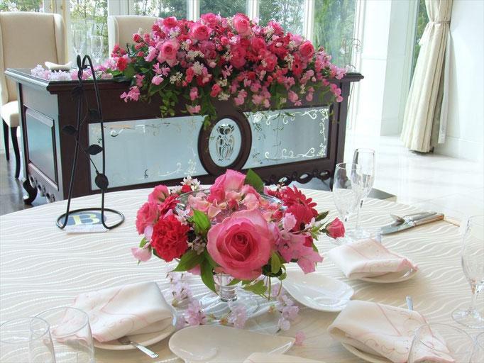 リースタイプのゲストテーブル装花