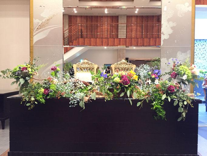 ランダムに飾るメインテーブル