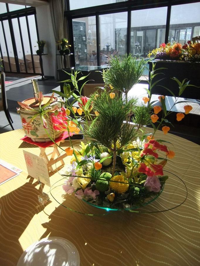 お正月婚礼に和テイストの花飾り
