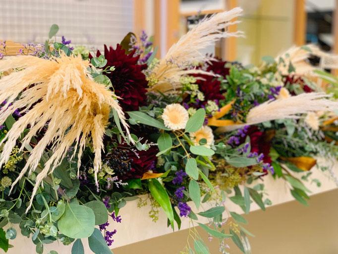 ドライフラワーを使う大人ウェディング装花