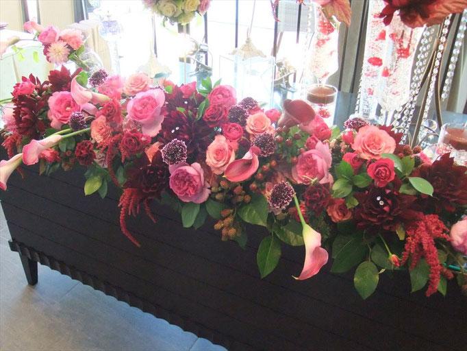 ピンク×ボルドーの大人の花飾り