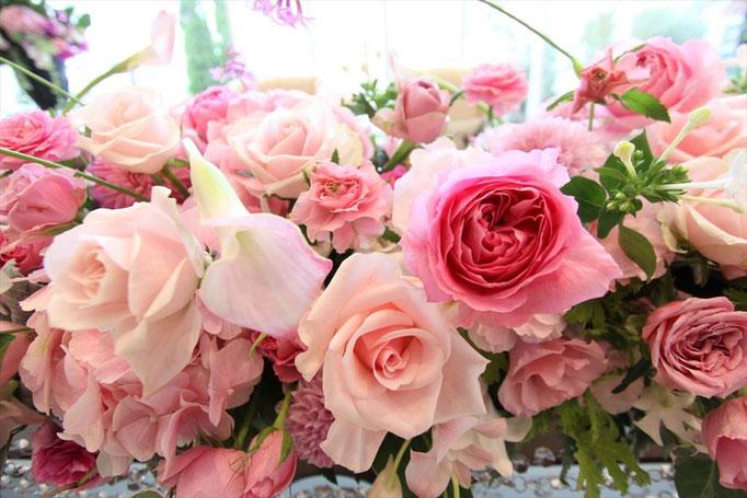 綺麗で上品なバラの高砂