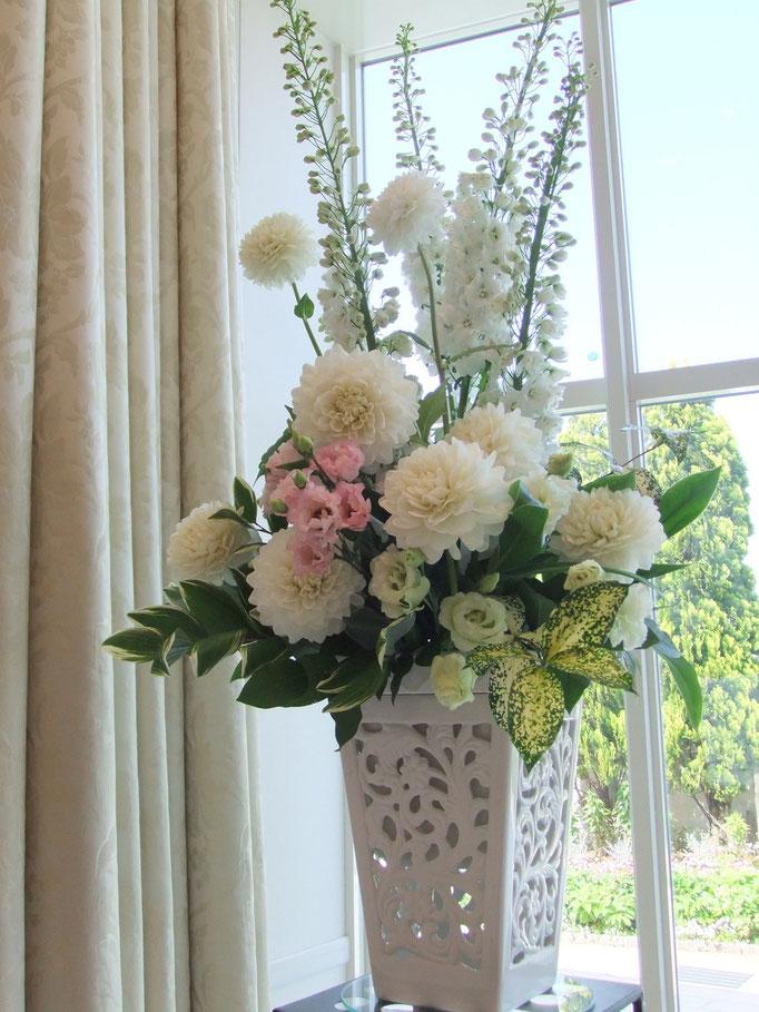 大きなメインバックの花飾り