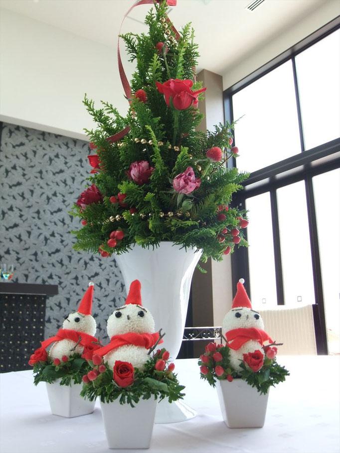 クリスマスツリーとスノーマン