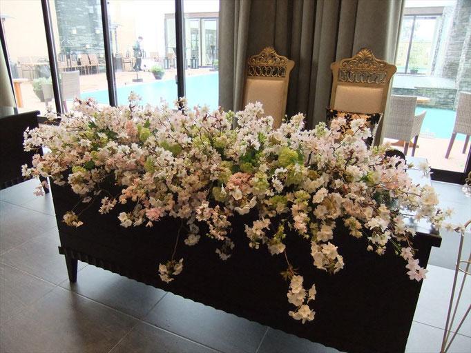 桜ブライダル 高砂装花