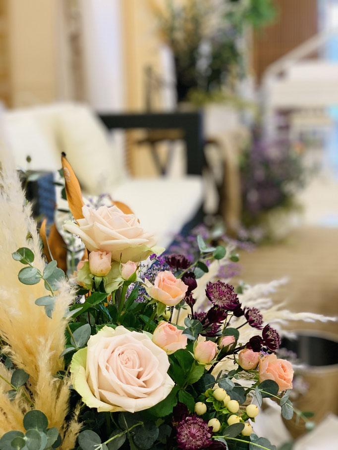 シックな花飾り 八雲迎賓館