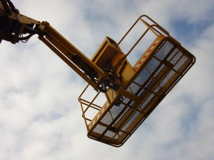 3B Denkmalpflege & Bausanierung GmbH vermietet u.a. Hebebühnen