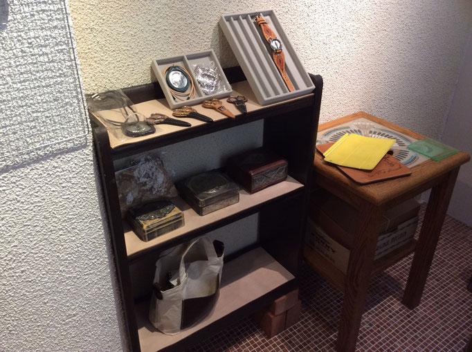 小物なども販売してます。アンティーク調に細工した木箱など・・  小さな雑貨屋sioux & lily(スーアンドリリー)