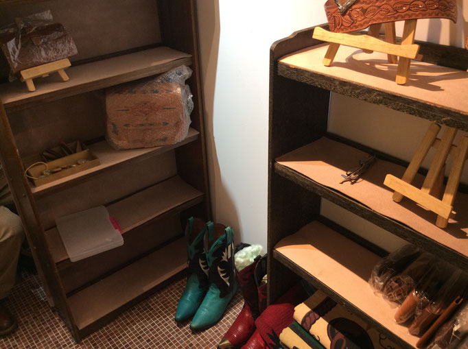 準備中の為、まだ何もありませんが、徐々に徐々に・・是非遊びに来て下さい。 小さな雑貨屋sioux & lily(スーアンドリリー)