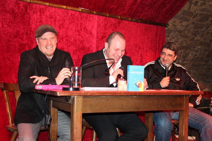 Moderator Matthias Milberg ist Gastgeber einer Lesung mit dem Bestseller-Autor Tim Boltz