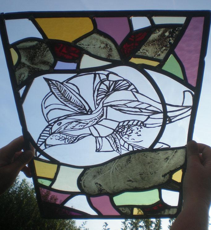 Vogel. Techniek : glas in lood, brandschilderen (dit object is tijdens mijn opleiding gemaakt)