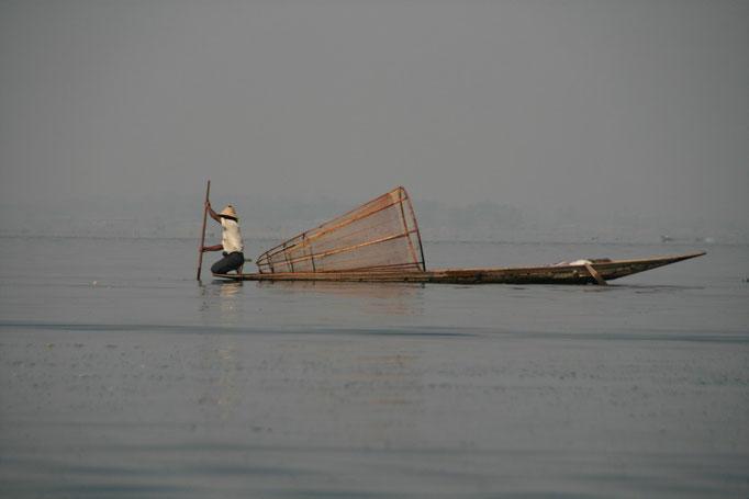 Sur le lac Inlé à KELA