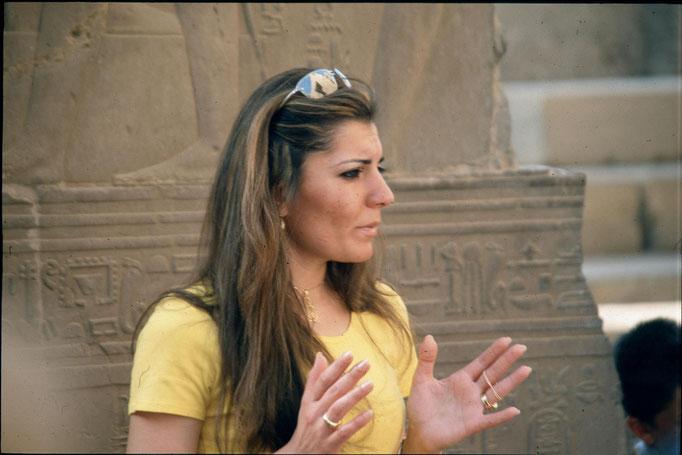 Guide dans le temple de KARNAK.