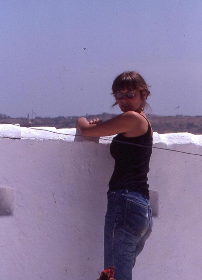 Sur une terrasse de CHEFCHAOUEN /1985.