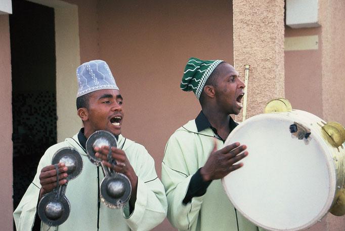 Musiciens Berbères à OUARZAZATE / 2005.
