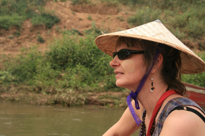 Sur le lac Inlé. MYANMAR.