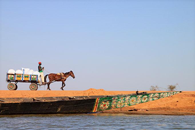 Sur le fleuve Niger. MALI