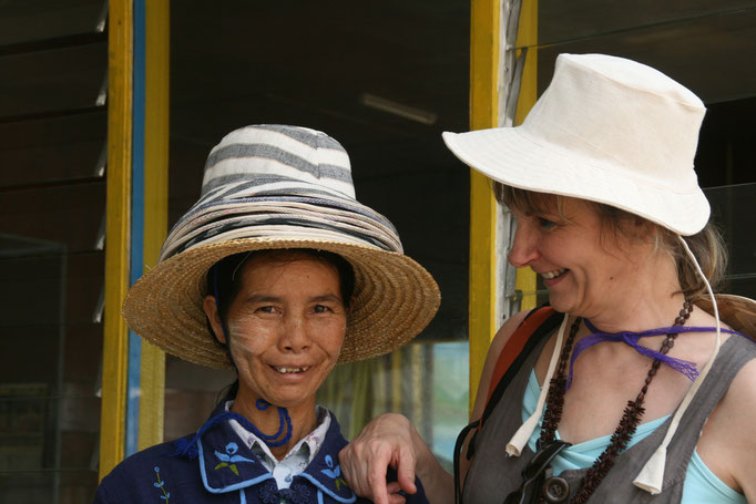 Vers le lac Inlé. MYANMAR.