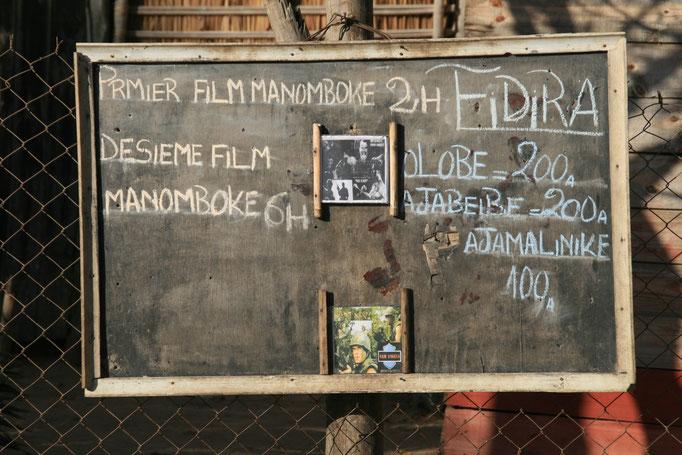 Affiche d'une séance de cinéma à TULEAR.