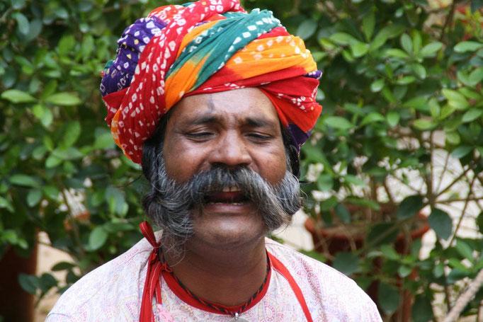 Les marionnettistes restent très populaire à OLD DELHI.