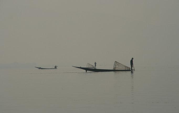 Sur le lac Inlé à KELA.