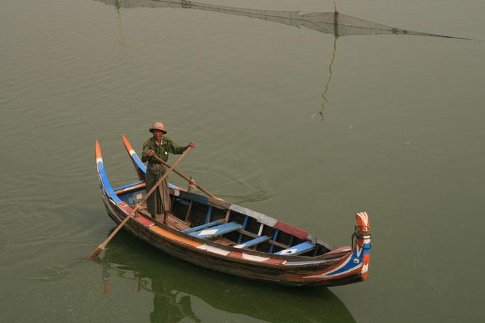 Pêcheur sur l'Irrawaddy. MYANMAR