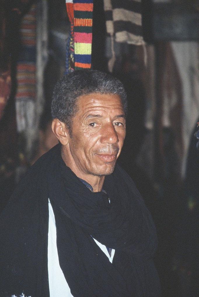 Dans le souk de OUARZAZATE / 2005.