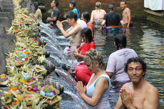Cérémonie à Bali. INDONESIE