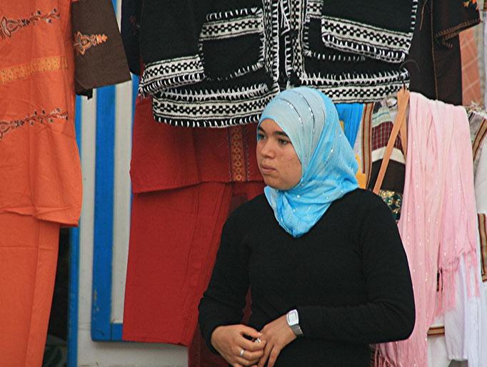 Berbère tenant une boutique à AJIM.